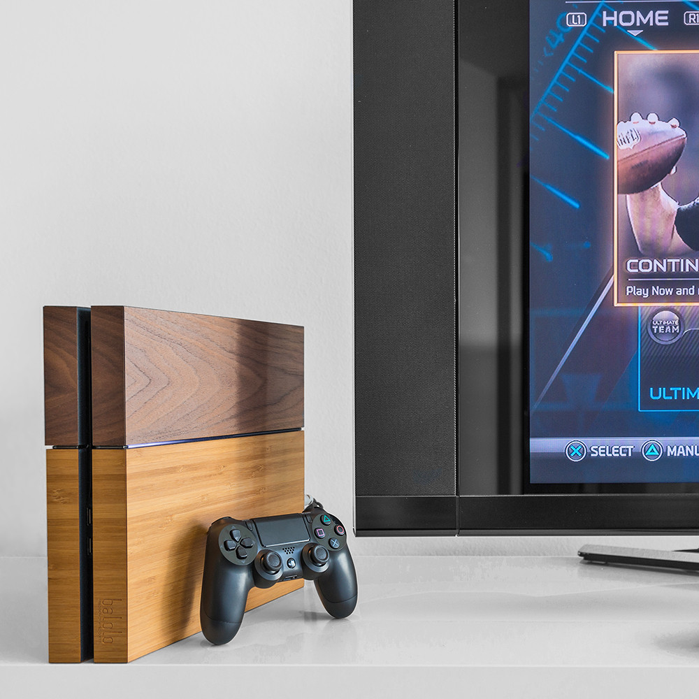 Wooden PlayStation 4 by Balolo