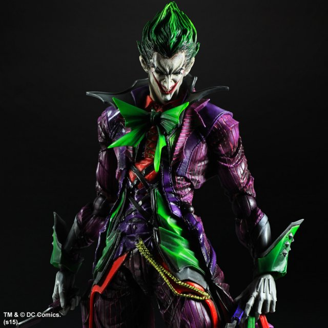 Play Arts Kai Joker Statue